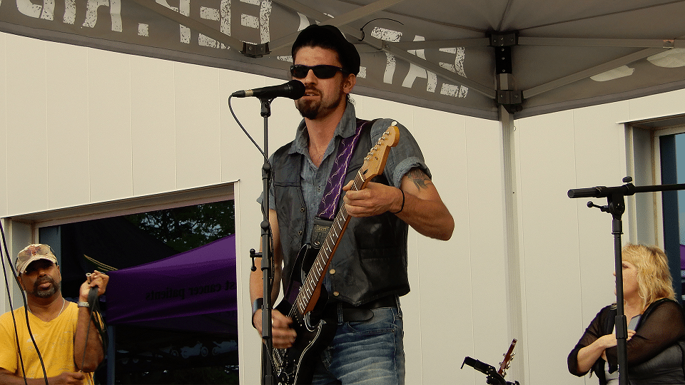 Ian Andrews performs at Royal Distributing – Royal Bike Night 2019.