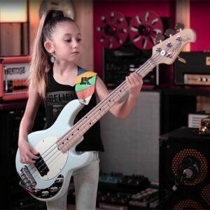 Ellen - female bass player